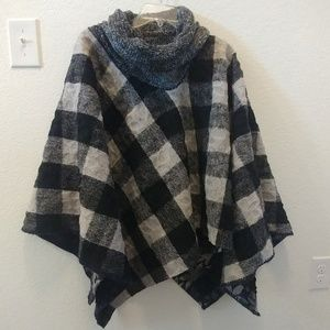 Jackets & Blazers - Reversible wool poncho